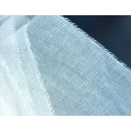 Gauze (Medical)  ''Budget''. Weight 36+g/m². Width 90cm. Price per roll 25m, 21% VAT incl.. Free shipping!