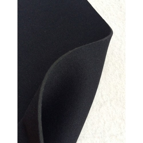 Neoprene fabric. Weight 667g/m². Width 120cm. Thickness 2,5 mm, Black colour. Free delivery!