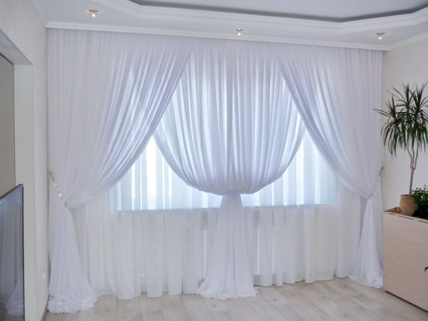 Poliestera audums balts, pl.300cm, bl.90g/m². Minimālais pasūtījums 10m. Bezmaksas piegāde!
