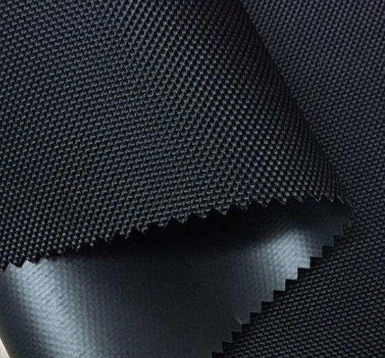 Audums Kodura 1680D PVC-F, blīvums 600g/m², platums 145cm, melnā krāsā