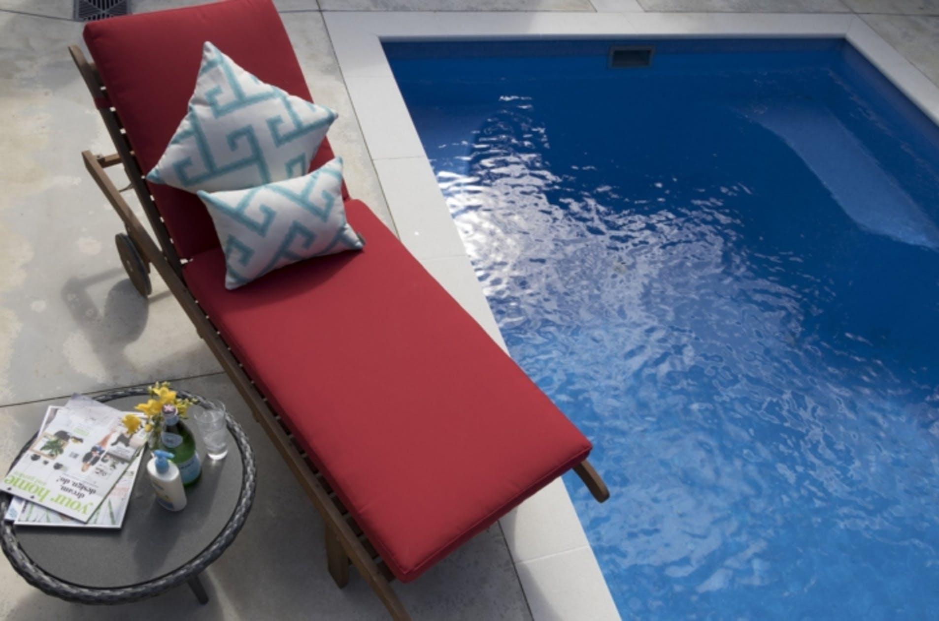 Water resistant fabric + UV resistant- Granat
