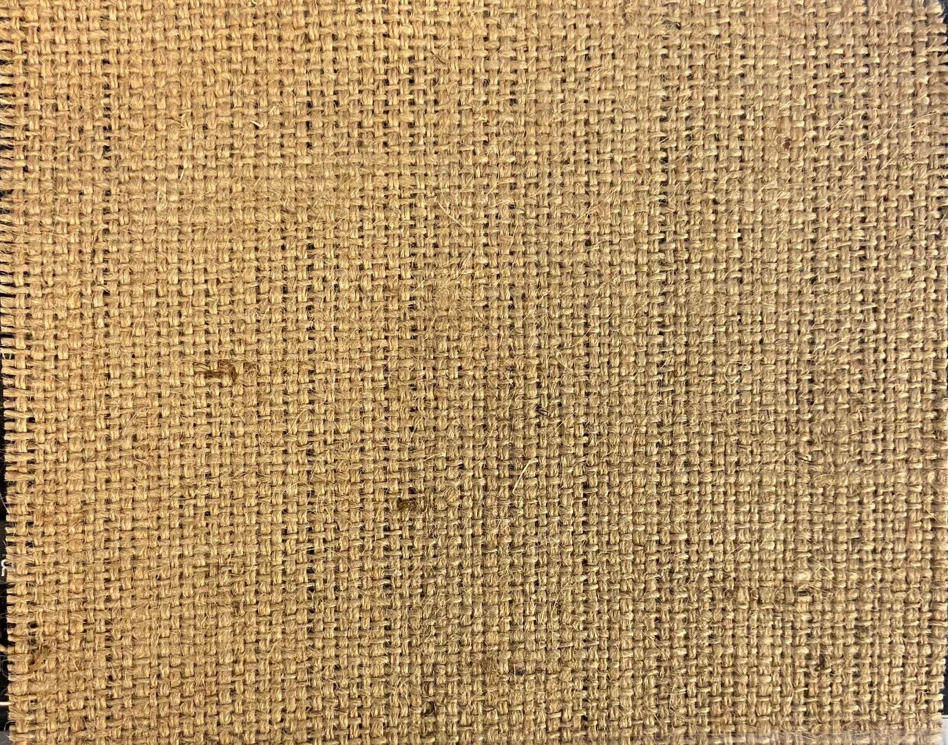 Džutas audums, bl.520g/m², pl.105cm. Cena norādīta ar PVN par rulli - 50m
