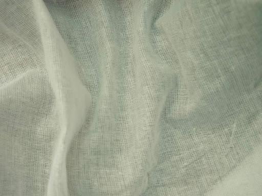 Kokvilnas audums Madapolams, bl.70 g/m², pl.155cm, nebalināts. Cena norādīta ar PVN par rulli - 50m
