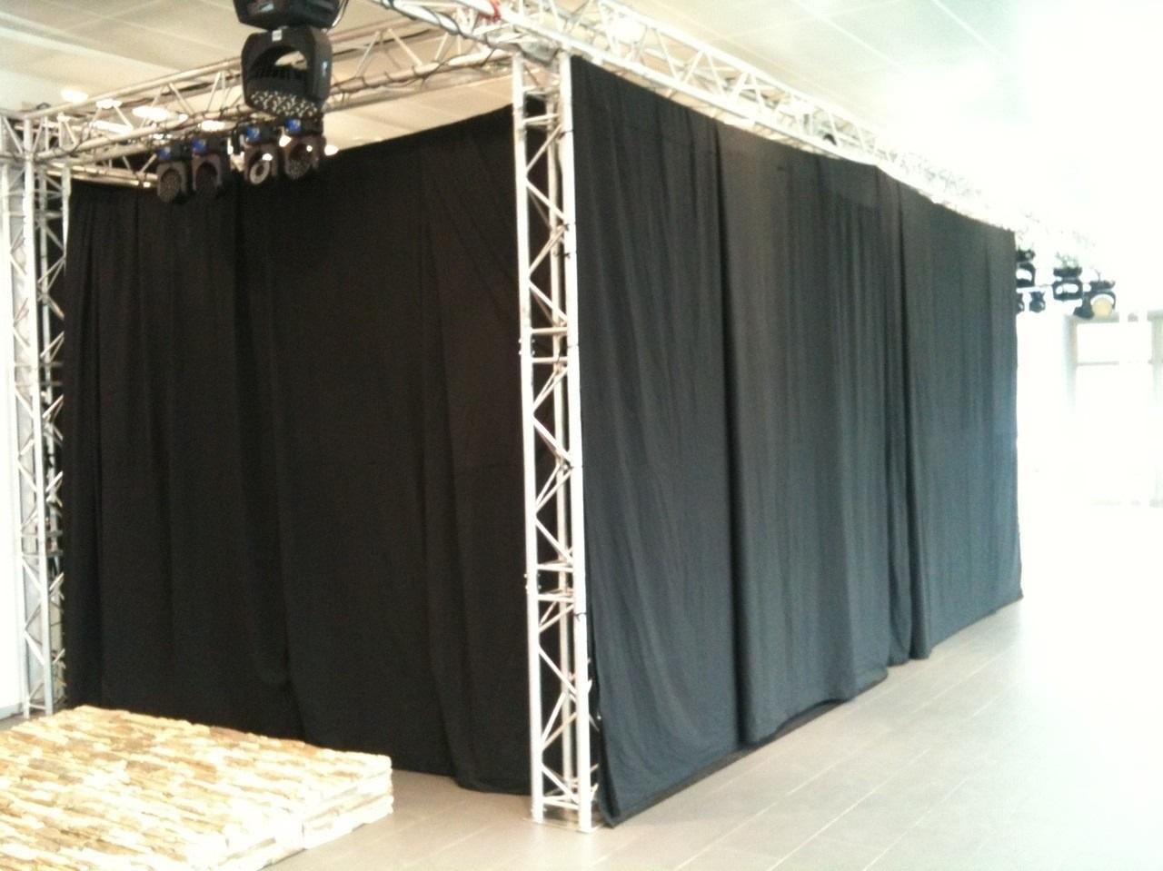 Moltons skatuvēm, melns. 100% kokvilna. Bl.300g/m². Pl.300cm. DIN 4102/B1. Bezmaksas piegāde!