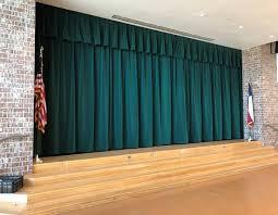 Samts skatuvei, zaļš. 100% kokvilna. Blīvums 350g/m². Platums 150cm. Ugunsdrošība: DIN 4102/B1
